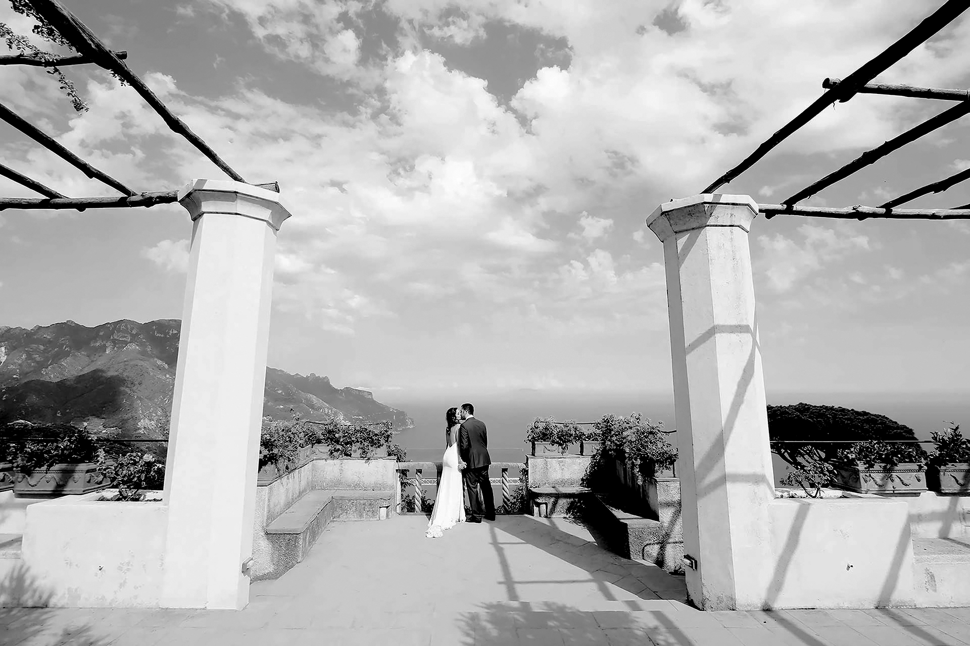 Luxury Catholic Symbolic Protestant Vows Shooting Wedding Photographer in Ravello Hotel Rufolo Villa Rufolo Reception Hotel Location Amalfi Coast Italy Claudia Francese Photography Sisters