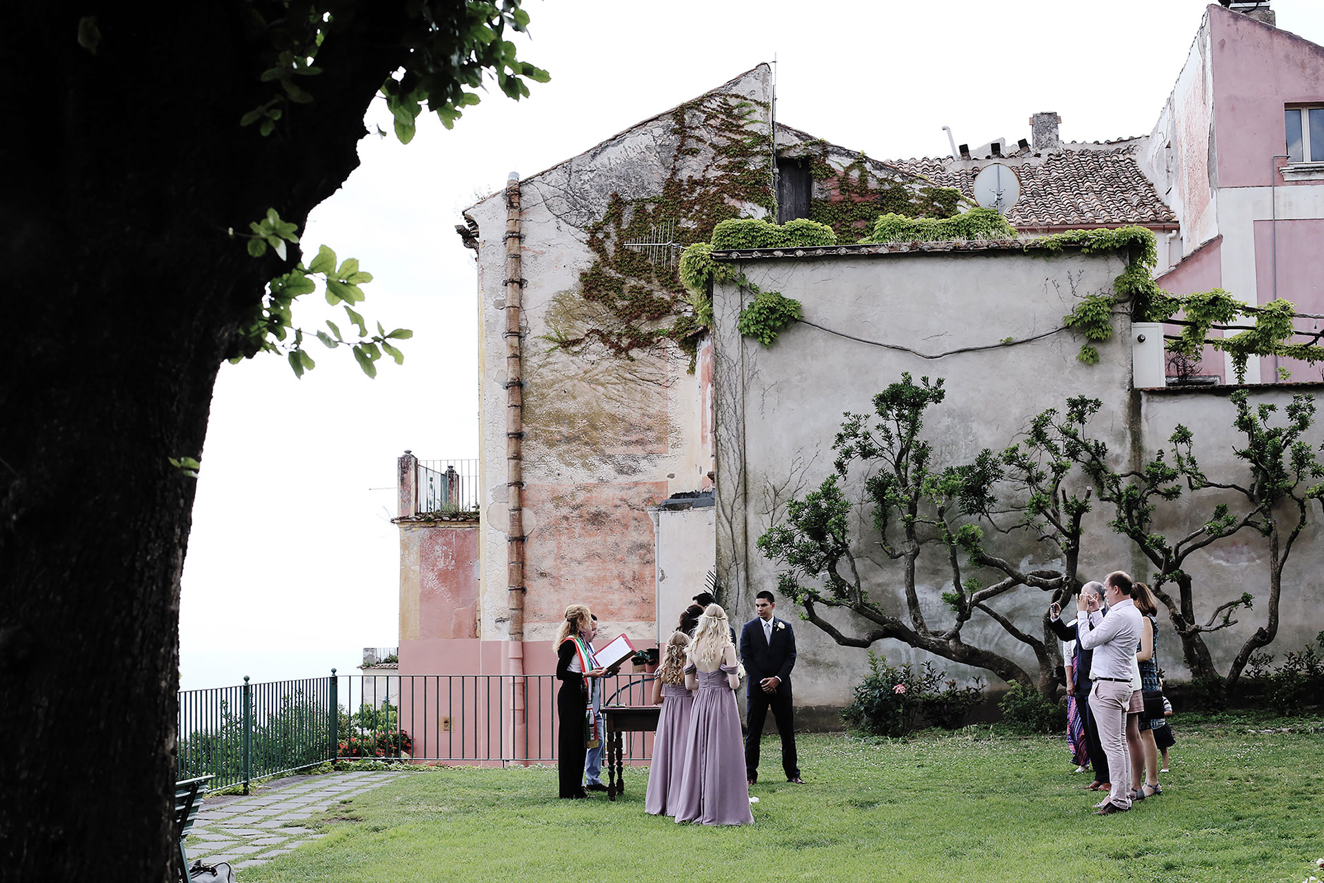 Civil Wedding in Ravello Giardini della Principessa di Piemonte Ravello Hotel Reception Location Amalfi Coast Luxury Accessible Wedding on Amalfi Coast Claudia Francese Photography Sisters