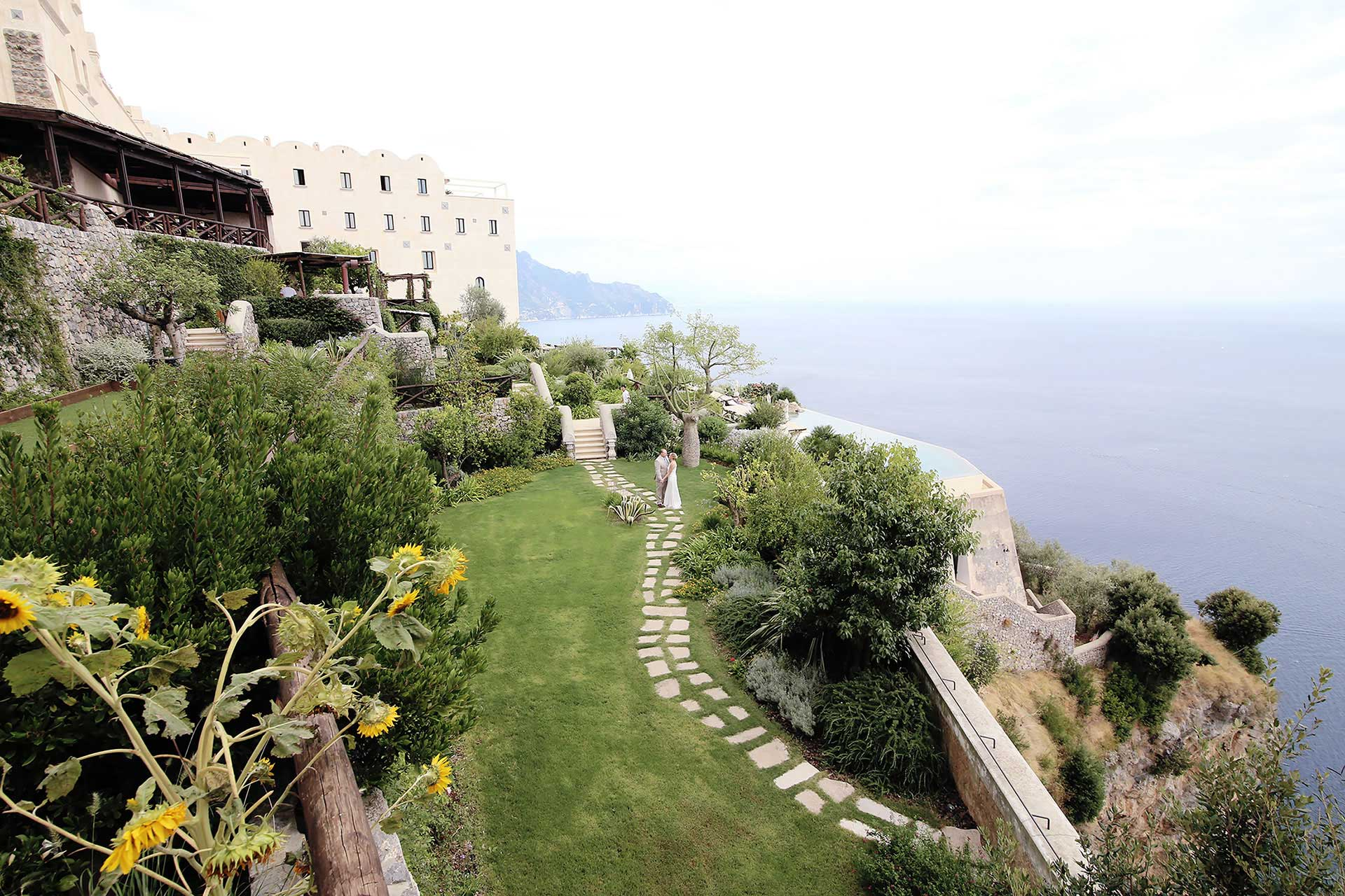 Hotel Monastero Santa Rosa the perfect location between art, culture and the Italian folk